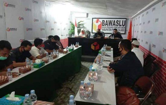 Bawaslu Taliabu Sosialisasi Perbawaslu 4/2020 ke Bapaslon dan Pimpinan Parpol