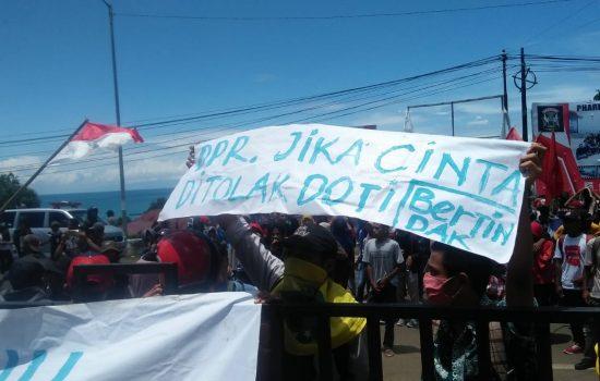 Aksi UU Ciptaker di Morotai Ricuh, Polisi Sita Bom Molotov