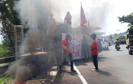 Demo, GPM Desak Wali Kota Ternate Copot Dirut PDAM