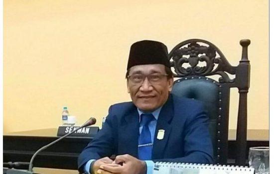 Ketua DPRD Halut Sebut EJ Papilaya Layak Jadi Sekda