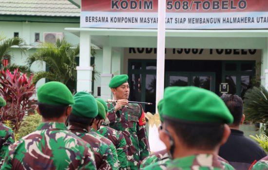 Awal 2021, Komandan Kodim 1508/Tobelo Berikan Jam Komandan