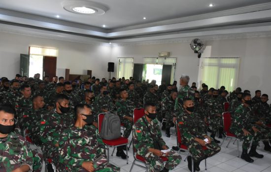 200 Personel Baru Korem 152/Baabullah Dapat Pembekalan tentang Hukum