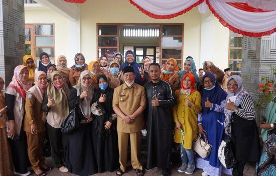 Gubernur AGK Ramah Tamah dengan Pengurus dan Alumni Alkhairaat