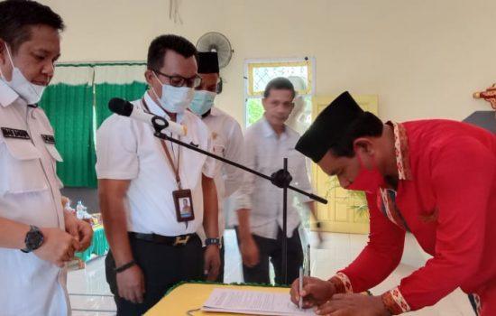 Kepala Dikbud Maluku Utara Lantik Pengurus MKKS dan MGMP Tidore