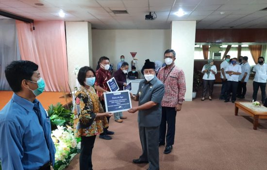 Gubernur Maluku Utara Apresiasi Penyerahan Program Sosial Bank Indonesia