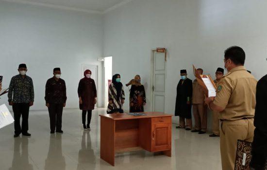 Lantik 5 Pejabat, Bupati Sula: Jangan Takut dengan Aturan