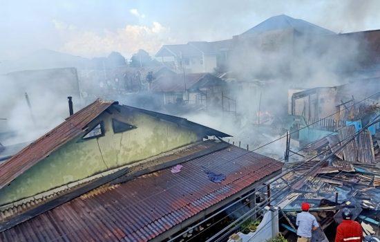 Rumah dan Kos-kosan di Ternate Dilahap Api, Diduga Gara-gara Ledakan Kompor